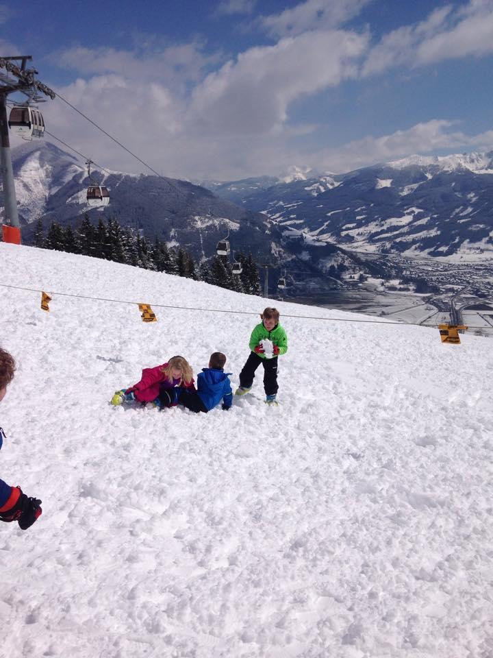 Ski with kids lessstress
